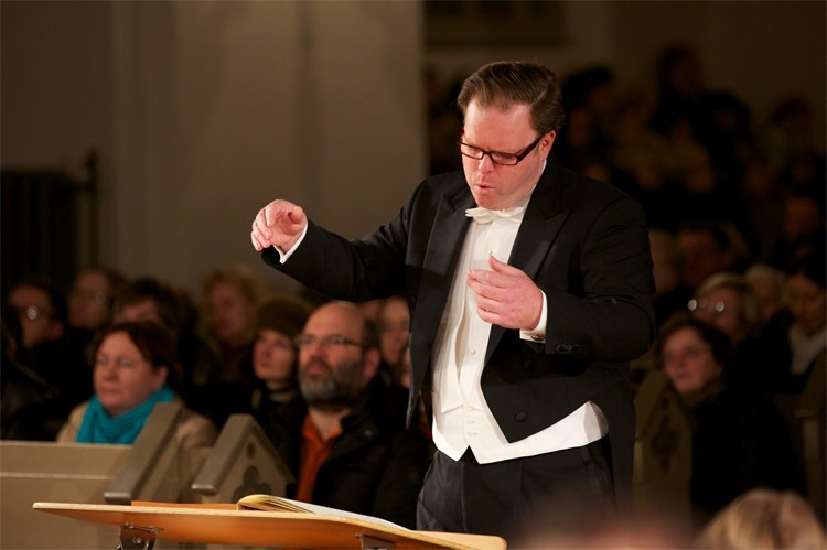 simon murphy conducting